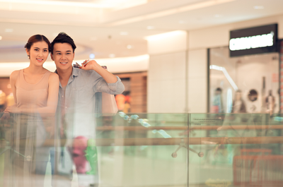Asian couple in a department store.png
