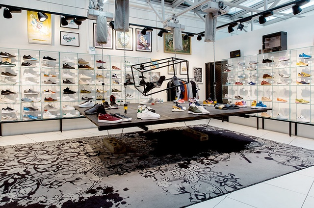948bf49ad784 Sixth floor – the Sneaker Club at Steffl department store